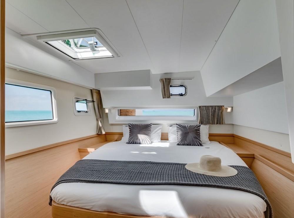 Rental Catamaran in Cala dei Sardi - Lagoon Lagoon 42