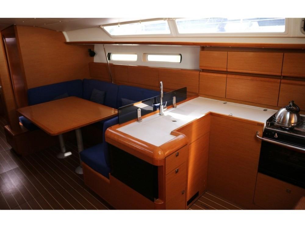 Rental Sailboat in Palma - Jeanneau Sun Odyssey 439