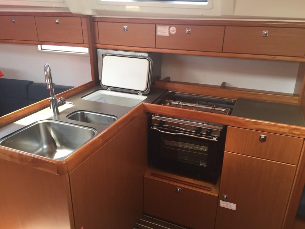 Rental yacht Castiglioncello - Bavaria Bavaria Cr 37 on SamBoat