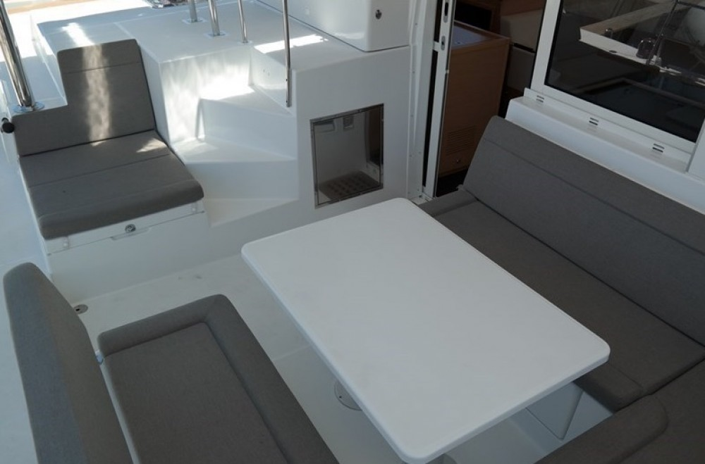 Rental Catamaran in Palma de Majorque - Lagoon Lagoon 400 S2