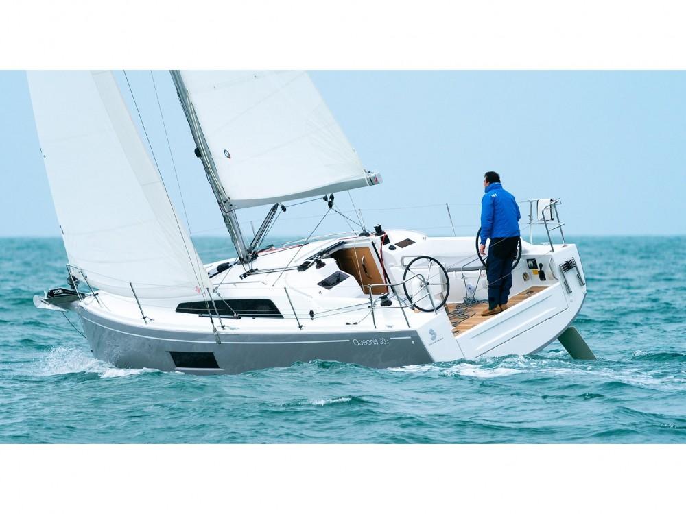 Boat rental Bénéteau Oceanis 30.1 in Olbia on Samboat