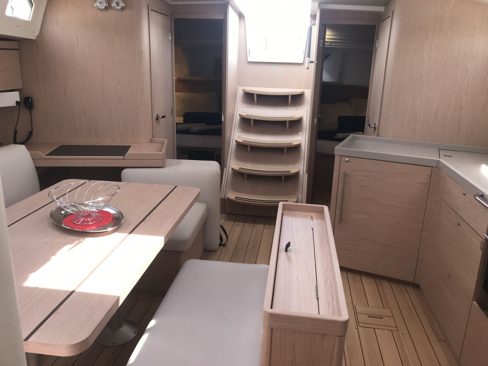 Bénéteau Oceanis 46.1 (3 cab) between personal and professional Olbia