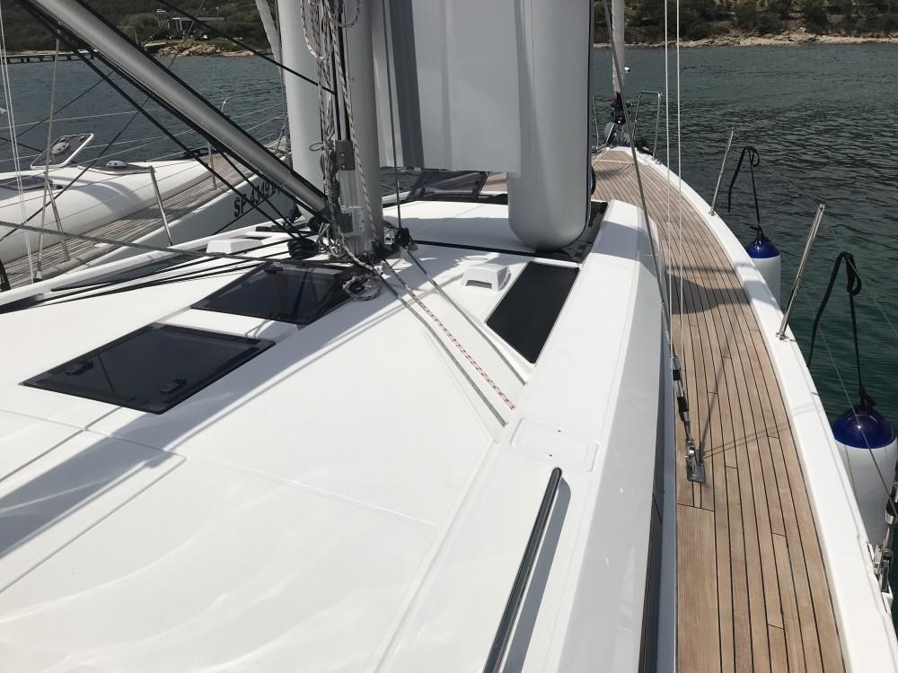 Boat rental Bénéteau Oceanis 46.1 (3 cab) in Cala dei Sardi on Samboat