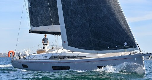 Hire Sailboat with or without skipper Bénéteau Salerno