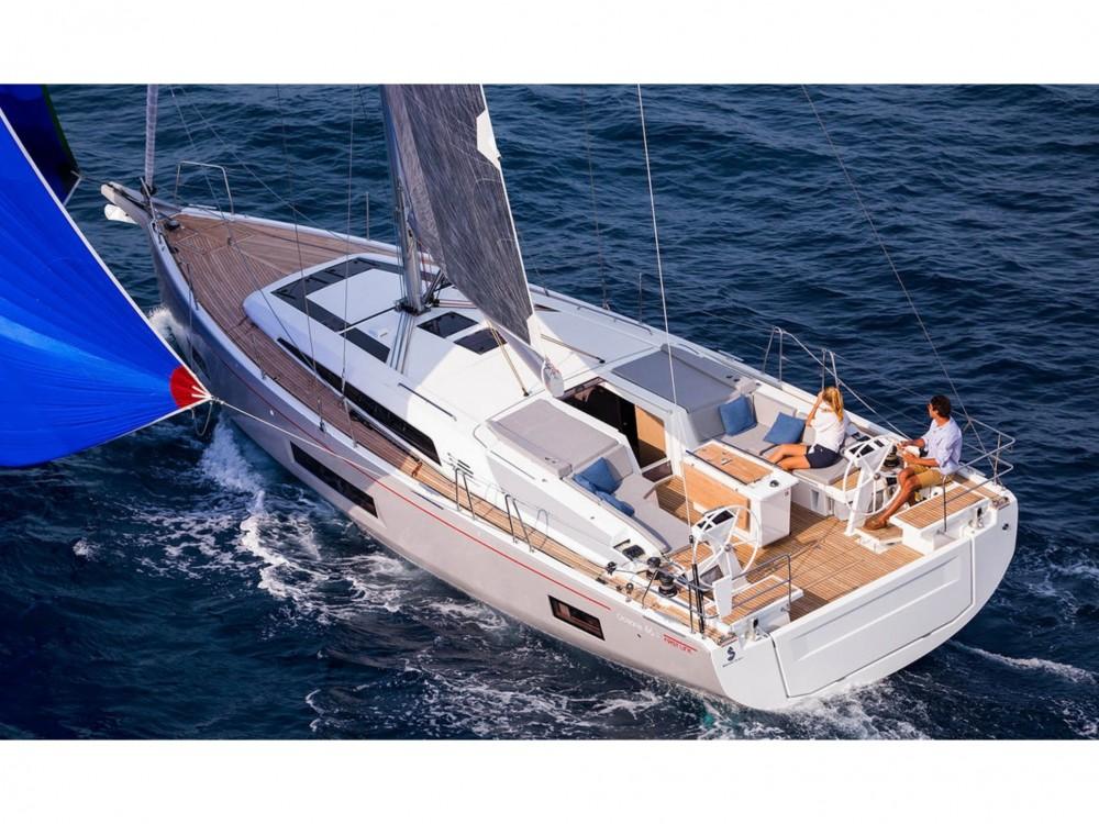 Rental yacht  - Bénéteau Oceanis 46.1 (4cabs-2heads) on SamBoat