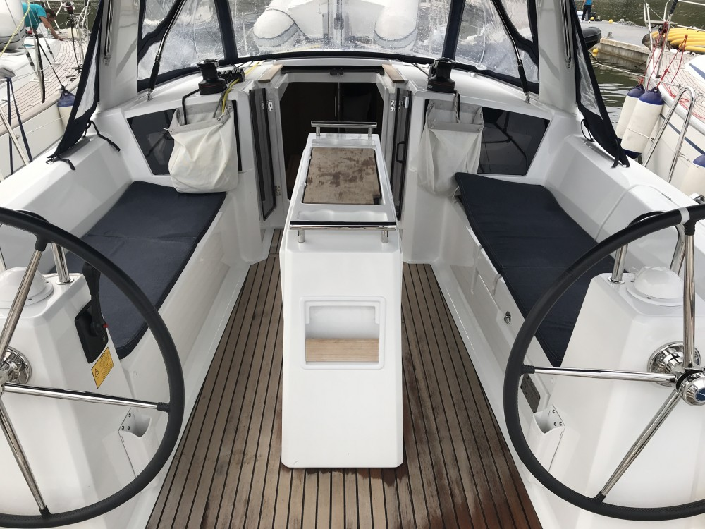 Bénéteau Oceanis 35.1 between personal and professional Olbia