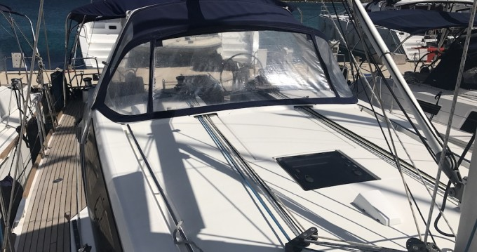 Boat rental Bénéteau Oceanis 45 in Portisco on Samboat