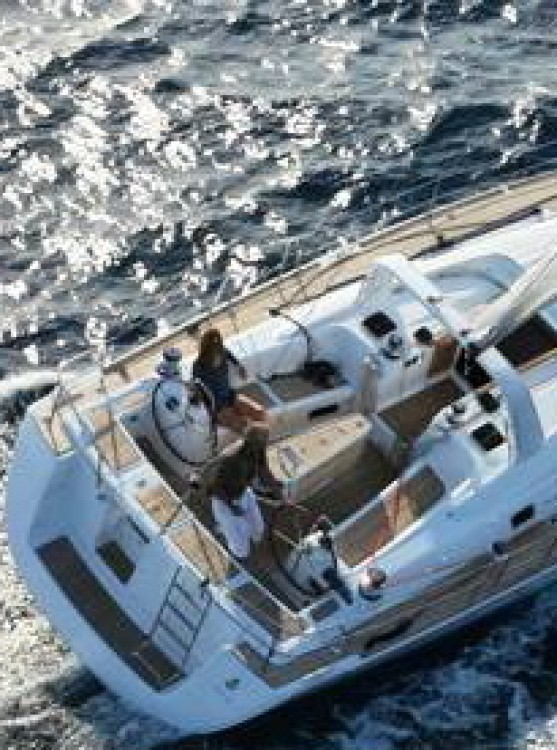 Bénéteau Oceanis 50 Family between personal and professional Castiglioncello