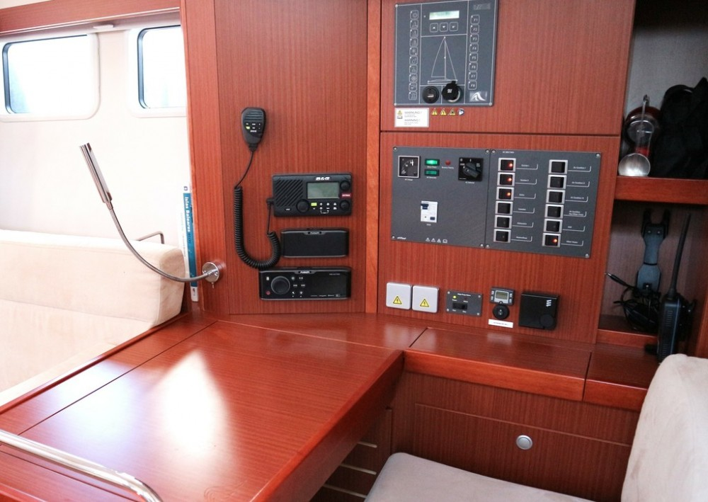 Boat rental Hanse Hanse 505 in Palma on Samboat