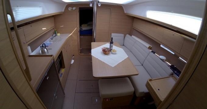 Rental yacht Veruda - Dufour Dufour 382 on SamBoat