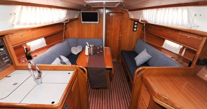 Boat rental Alimos cheap Bavaria 34 Cruiser