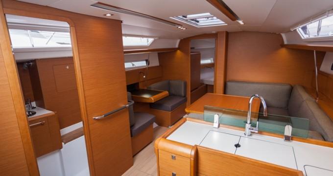 Boat rental Bormes-les-Mimosas cheap Sun Odyssey 419