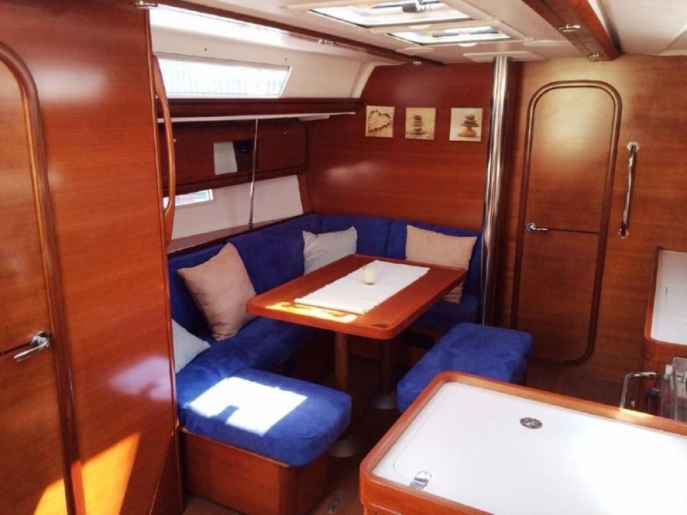 Rental yacht Pula - Dufour Dufour 405 on SamBoat