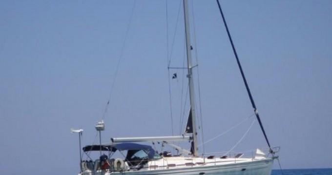 Boat rental Bavaria Bavaria 47 Cruiser in Alimos on Samboat