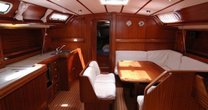 Rental yacht Alimos - Bavaria Bavaria 47 Cruiser on SamBoat