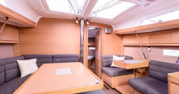 Rental Sailboat in Bormes-les-Mimosas - Dufour Dufour 410 Grand Large