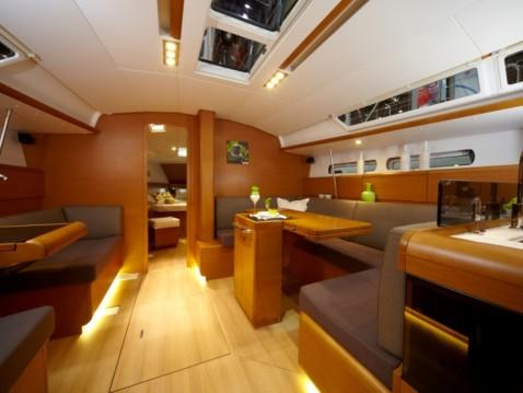 Rental Sailboat in Alimos - Jeanneau Sun Odyssey 439