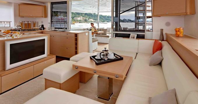 Rental yacht Alimos - Lagoon Lagoon 560 on SamBoat