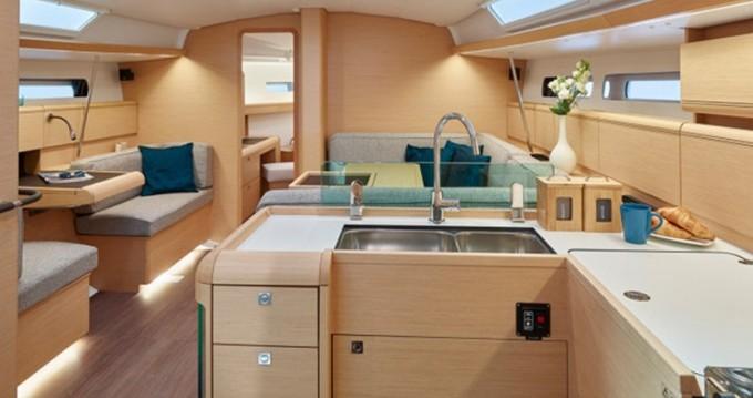 Rental Sailboat in Alimos - Jeanneau Sun Odyssey 449