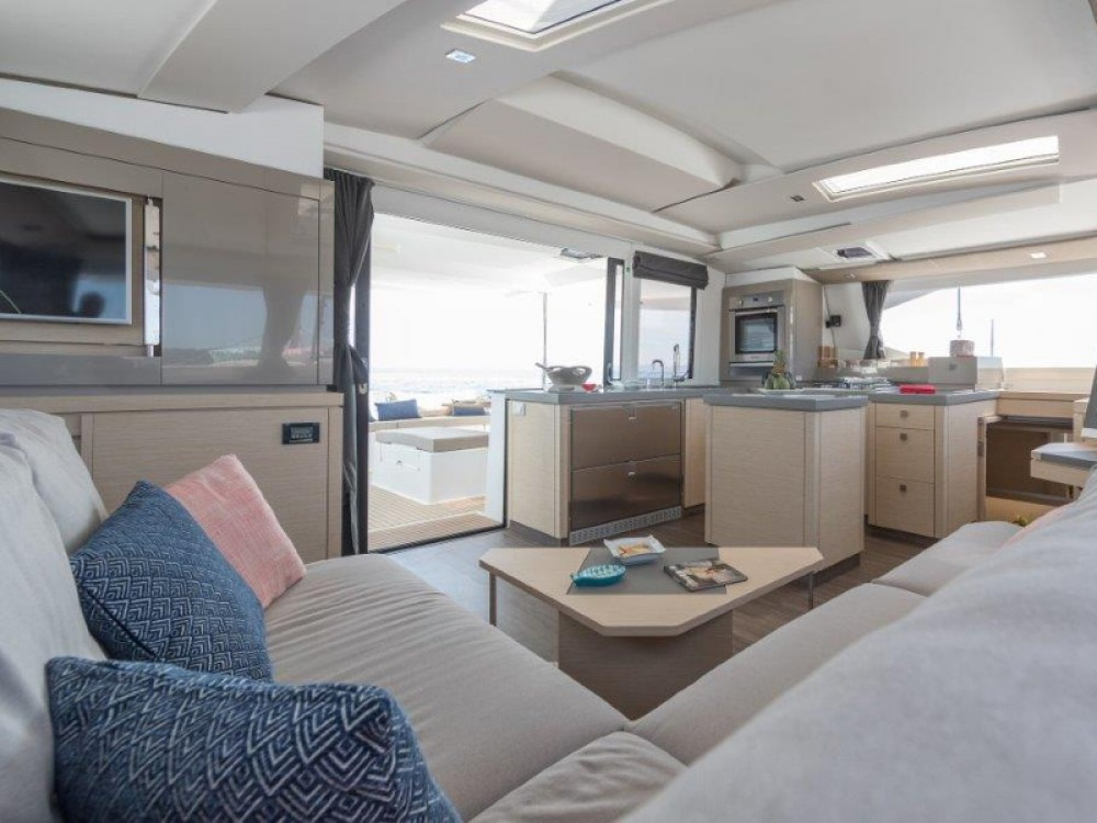 Fountaine Pajot Saona 47 between personal and professional San Martín
