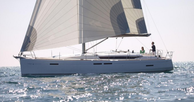 Hire Sailboat with or without skipper Jeanneau Agropoli