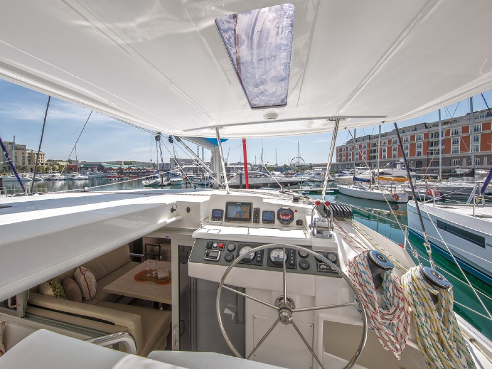 Leopard Sunsail 404 between personal and professional Komolac
