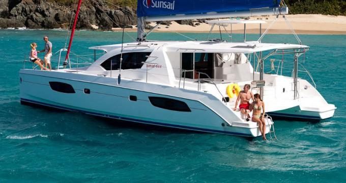 Rental Catamaran in Raiatea - Leopard Sunsail 444