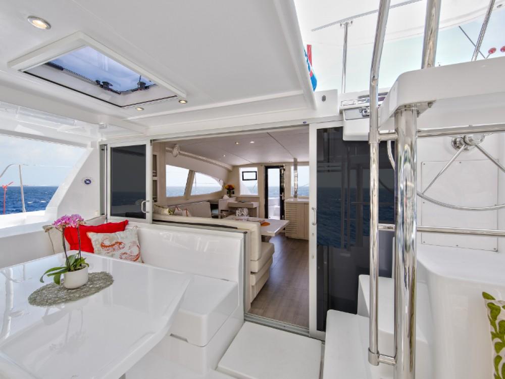 Rental Catamaran in Lefkada - Leopard Sunsail 404