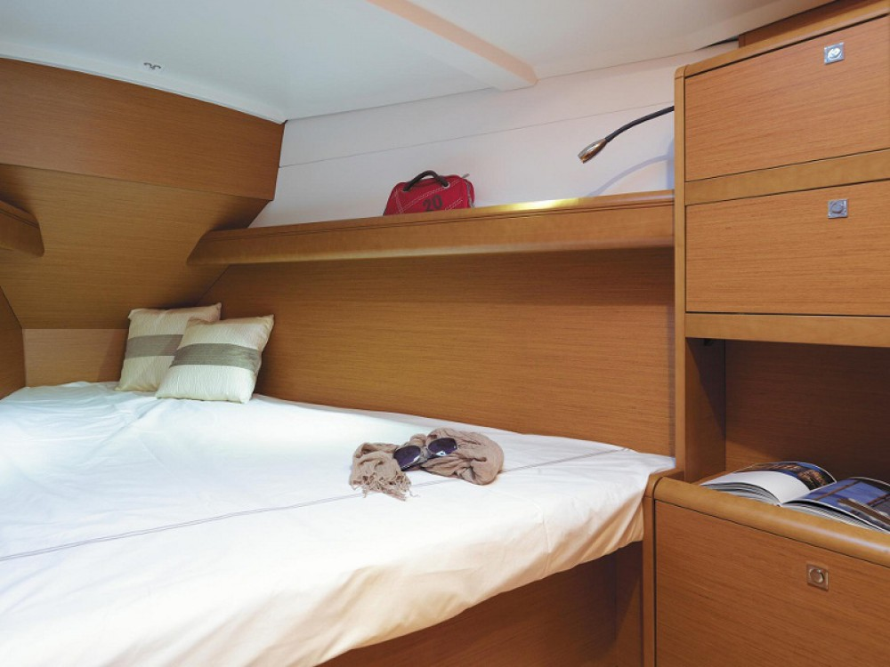 Boat rental Komolac cheap Sunsail 38
