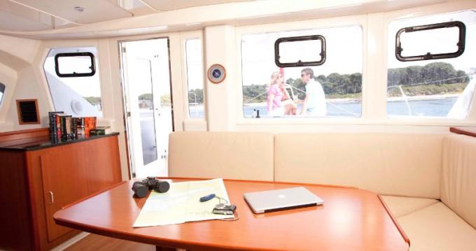 Boat rental Placencia cheap Sunsail 444