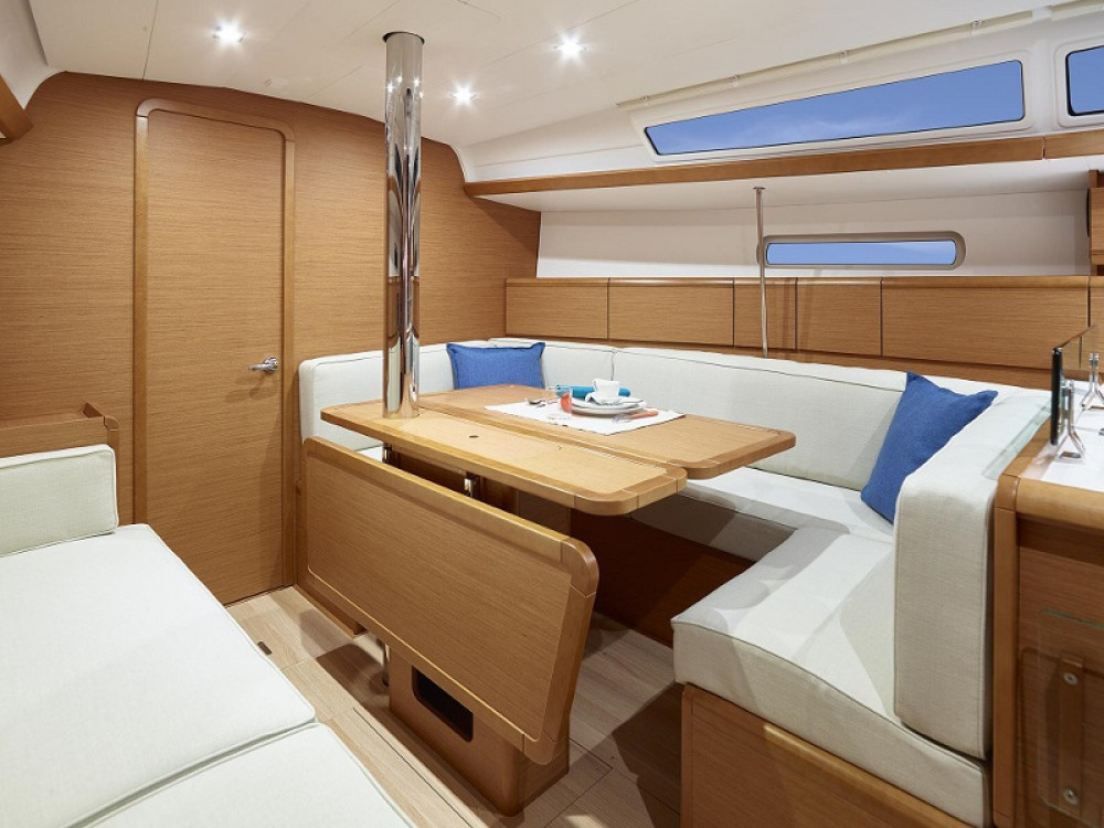 Jeanneau Sunsail 38 between personal and professional Palma