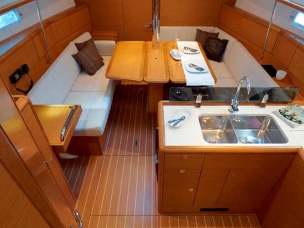 Boat rental Jeanneau Sunsail 38/2 in Road Town on Samboat