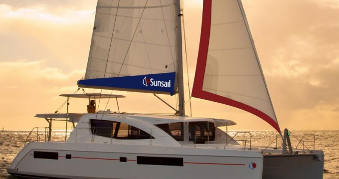 Leopard Sunsail 484 between personal and professional Road Town