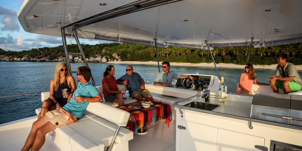 Hire Catamaran with or without skipper Leopard Marigot