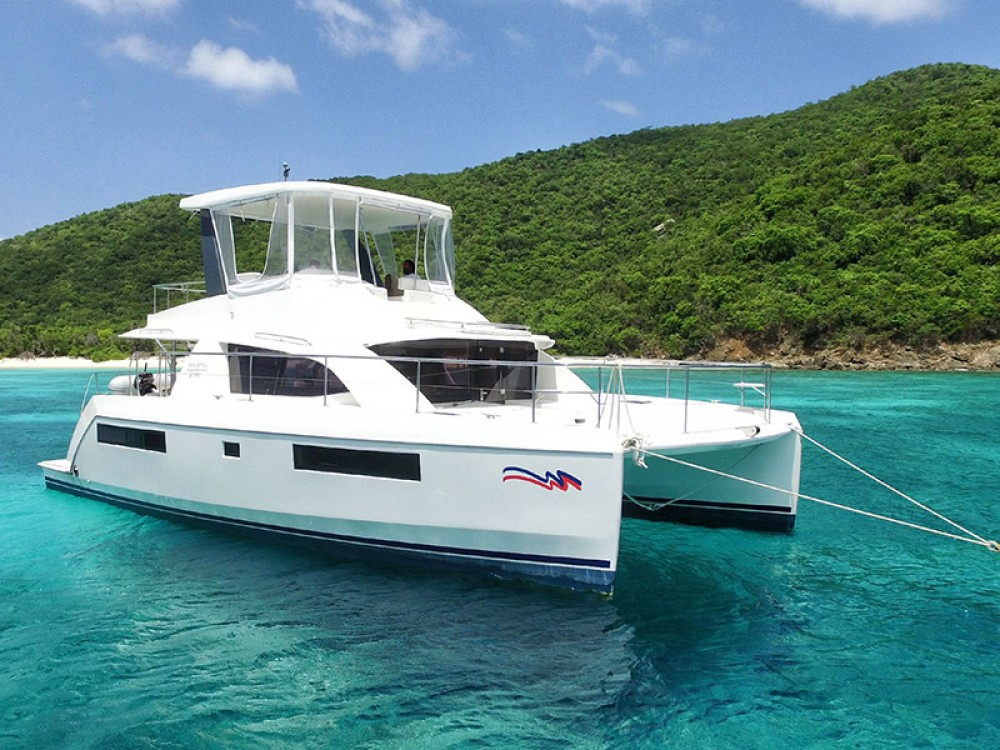 Boat rental Leopard Moorings 433 PC in Nassau on Samboat