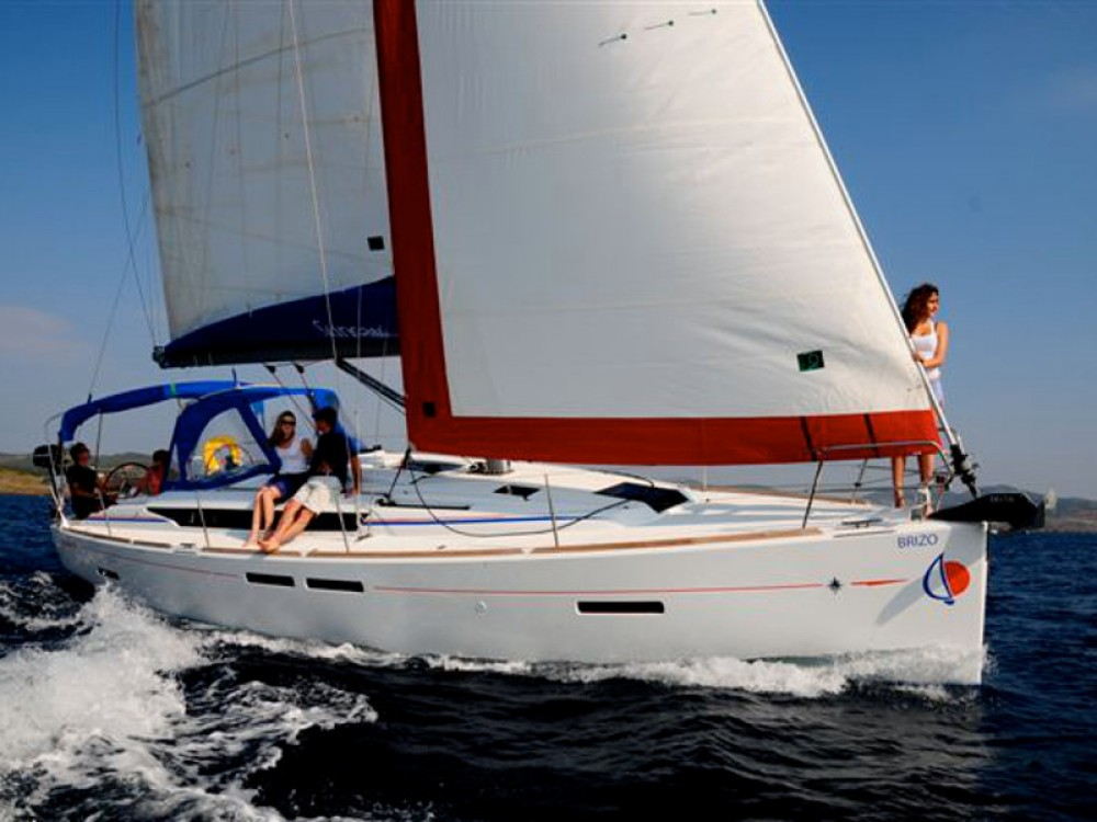Boat rental Jeanneau Sunsail 41 in Antigua and Barbuda on Samboat
