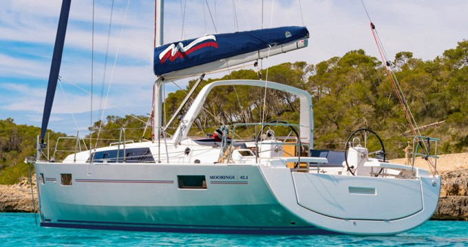 Rental yacht Marina - Bénéteau Moorings 42.1 on SamBoat