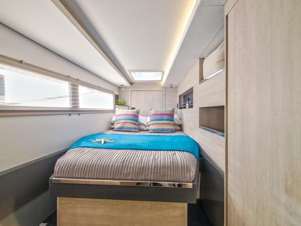 Rental Catamaran in Komolac - Leopard Sunsail 454