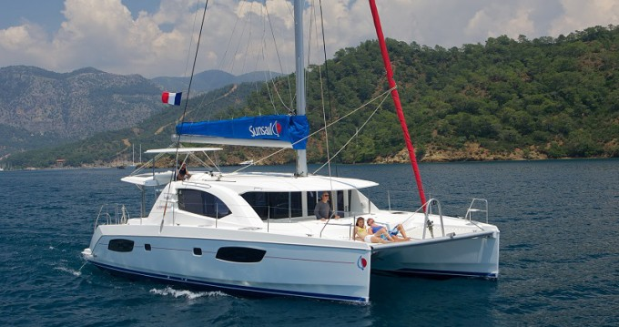 Leopard Sunsail 444 between personal and professional Road Town