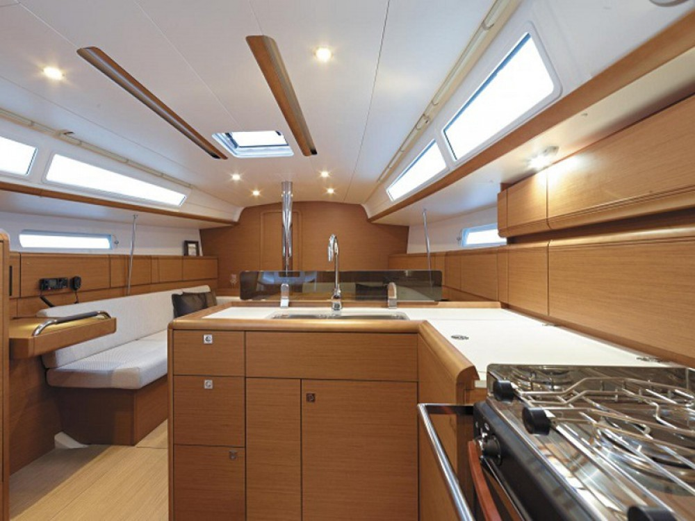 Jeanneau Sunsail 38 between personal and professional Marina