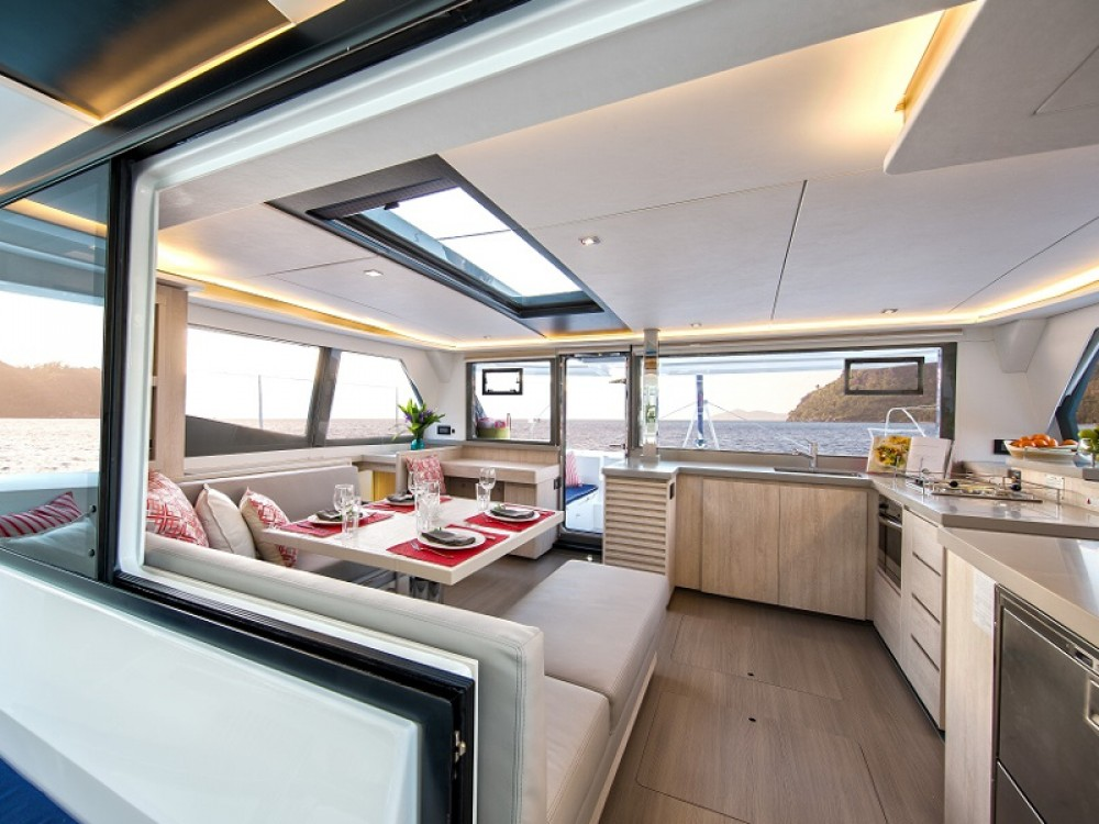 Rental Catamaran in Road Town - Leopard Sunsail 454