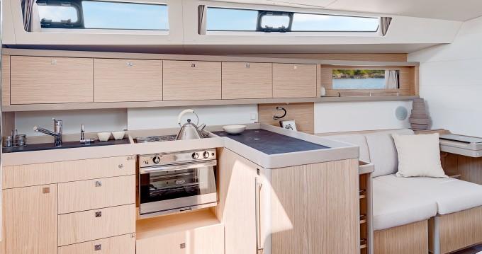Boat rental Bénéteau Moorings 453 in Rodney Bay on Samboat