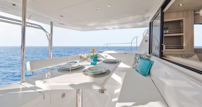 Rental yacht  - Leopard Moorings 433 PC on SamBoat