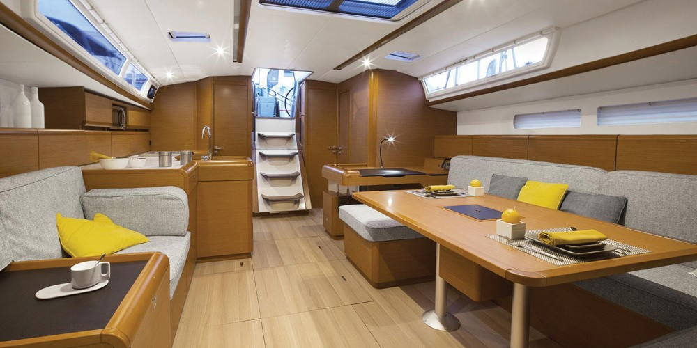 Jeanneau Moorings 51.4 between personal and professional Road Town