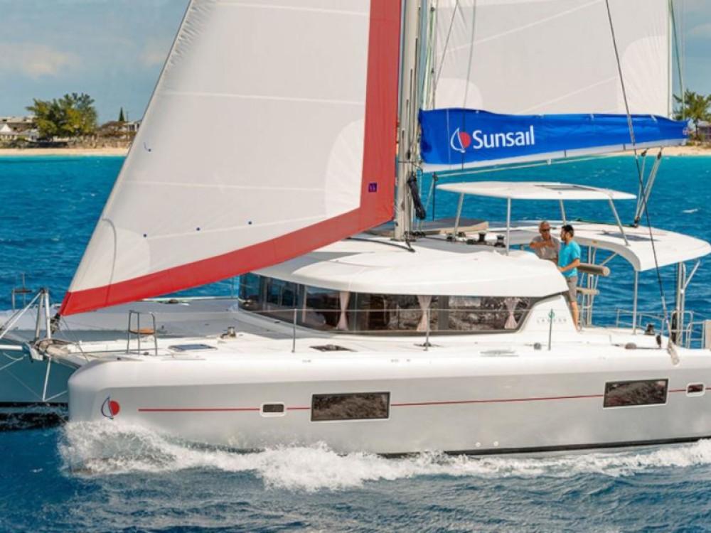 Boat rental Piraeus cheap Sunsail 424