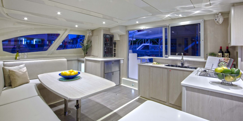 Rental Catamaran in Marina - Leopard Moorings 4400