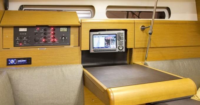 Rental Sailboat in Marina - Jeanneau Sunsail 41