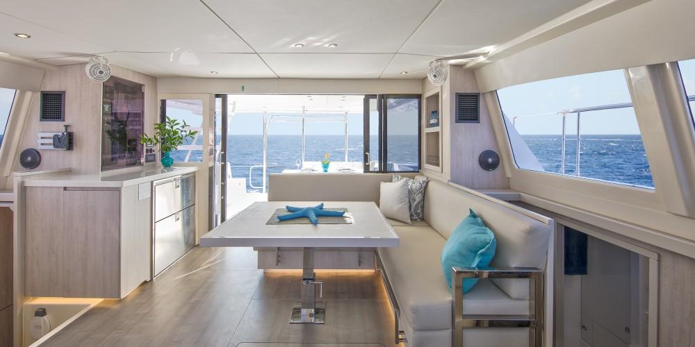 Rental yacht Marina - Leopard Moorings 434 PC on SamBoat