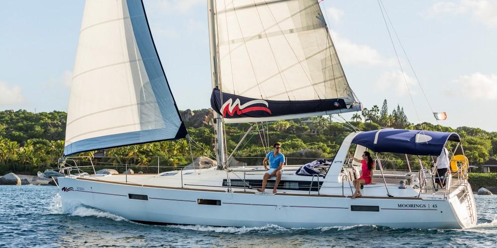 Boat rental  cheap Moorings 45