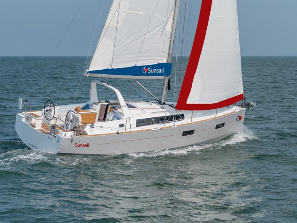 Rent a  Sunsail Oceanis 38 Procida